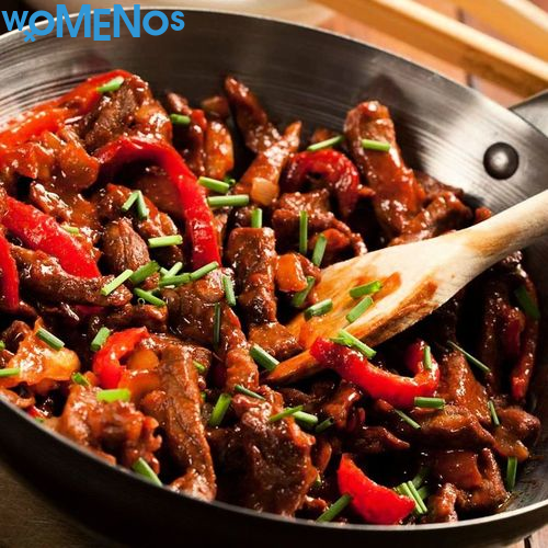 Delicious and spicy dish: recipes for cooking pork with vegetables in Chinese
