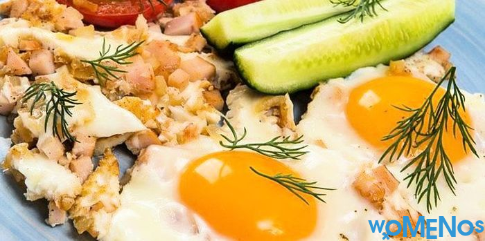 Perfect breakfast for the whole family: recipes for scrambled eggs and tomatoes